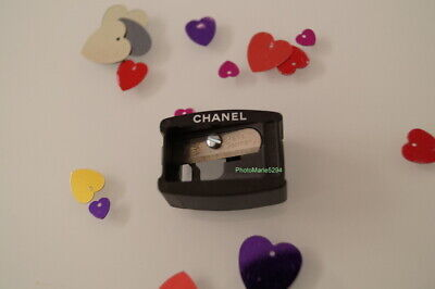 """Taille-Crayon Sharpener Lame """"Made in Germany""""  crayons  yeux et  lèvres  CHANEL"""