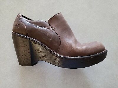 88bc02d7c35e Born Womens Ankle Bootie Boot Wedge Heel Brown Leather Side Zip Shoes size  8.5