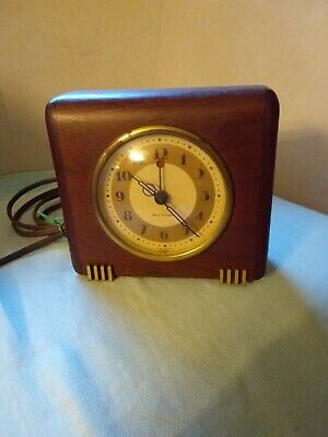 Working Vintage Art Deco Seth Thomas Wood Case Electric Clock