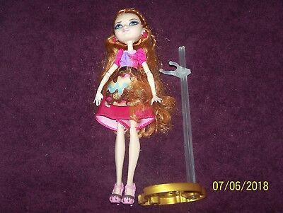 Ever After High Holly O'Hair - Sugar Coated With Clothes and Stand