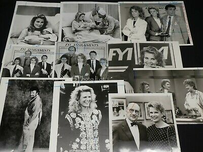 "21 x TV Press Kit Photos ~ 8x10 ""Murphy Brown"" Candice Bergen Faith Ford & More"