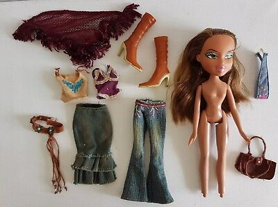BRATZ Doll - Funk Out FIANNA - Clothing & Accessories