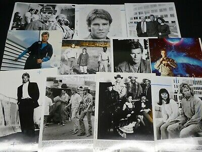 "11 x TV Press Kit Photos ~ 8x10 ""MacGyver"" Richard Dean Anderson Teri Hatcher ++"
