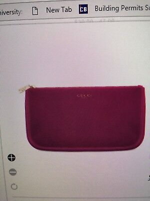 93890d0b28a1 Gucci Beauty Red Cosmetic Pouch Makeup Bag Velvet Cosmetic Case Clutch  Burgundy