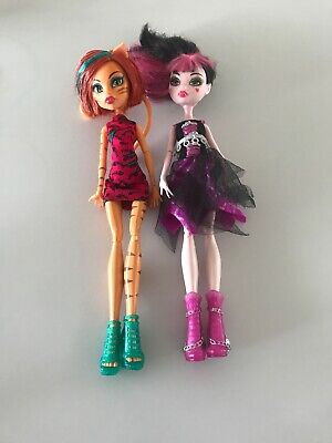 Monster High Dolls X 2.  Torili And Draculaura.   In Great Used Condition.