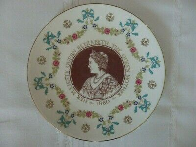 ROYAL DOULTON PLATE COMMEMORATING 80th BIRTHDAY OF H.M. THE QUEEN MOTHER