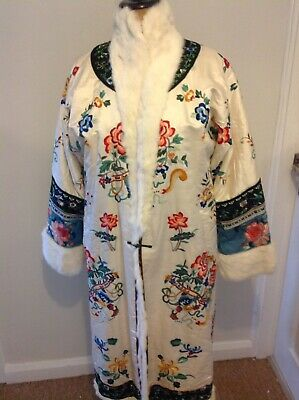 Beautiful 1920s Chinese Silk Deco Embroidered Fur Lined Coat