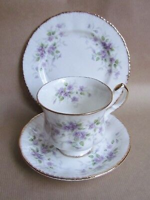 PARAGON CHINA MALANDI TEA TRIOS - FIRST QUALITY (Ref4109)