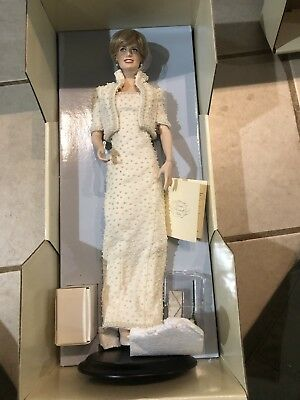 Franklin Mint Princess Diana Porcelain Portr Doll W COA & Original Shipping Box