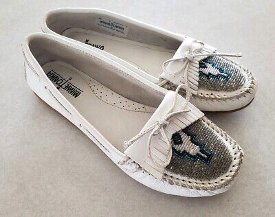0273ce29b5a5 MINNETONKA MOCCASINS Womens White Leather Shoes Beaded Fringes Size ...