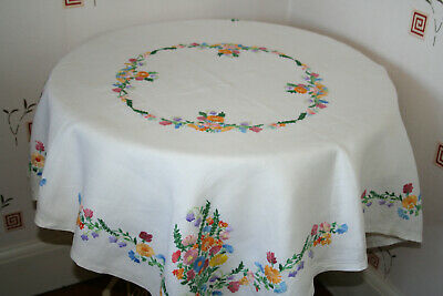 """Beautiful Vintage 42"""" Linen Hand Emboidered Tablecloth Garden Florals."""