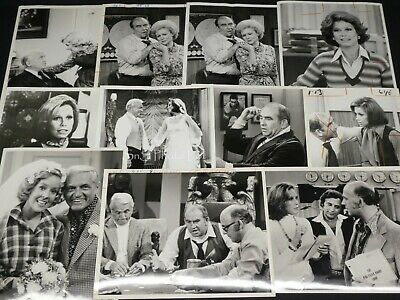 "18 x TV Press Kit Photos ~ 8x10 ""The Mary Tyler Moore Show"" Betty White & More"