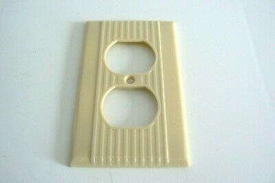 Leviton Single Outlet Wall Plate Cover Ribbed Bakelite Beige Ivory.