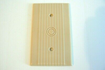 Leviton Single Coaxial Tv Wall Plate Cover Ribbed Bakelite Beige Ivory.