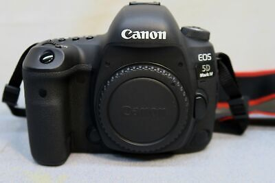 Canon DS126601 EOS 5D Mark IV 30.4 MP Digital SLR Camera - EXCELLENT CONDITION