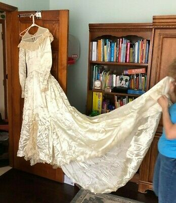 Vintage 1945 Satin & Lace Wedding Dress with Beaded Lace Veil