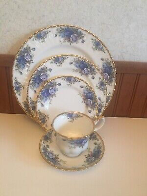 Vintage ROYAL ALBERT Moonlight Rose Dinnerware 5 Place Setting ~ Gorgeous