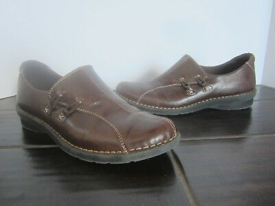 e3775c15099 Women s Clarks Bendables 83527 Size 6M Brown Leather Slip on Loafers Zip Up  (A06