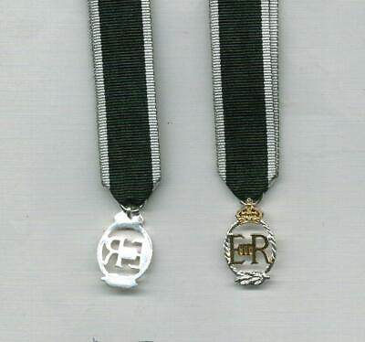 ONE Miniature medal for the ROYAL NAVY RESERVE DECORATION - EIIR by TKS
