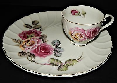 Pink Red Floral Rose Pattern Scalloped Luncheon Plate & Cup Japan Gold Trim