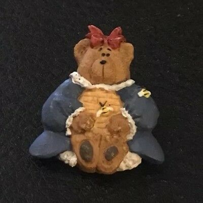 """Vintage 1"""" Realistic Novelty Goofy Plastic Young Girl Bear With Beehive Button"""