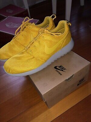 finest selection ebcd8 e50d8 Nike Roshe Run GPX Yellow Floral Men Size 10.5 Pre Owned only worn once.With