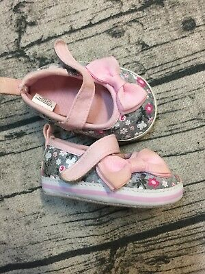 f086eebadaf9 STEPPING-STONE-INFANT-GIRLS-PINK-SILVER-SEQUIN-CANVAS-BOW-CRIB-SHOES ...