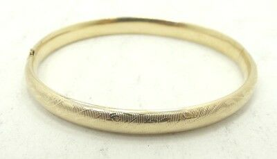 Gorgeous 14K Yellow Gold Serrated Floral Engraved Hinge Bangle Bracelet A8326
