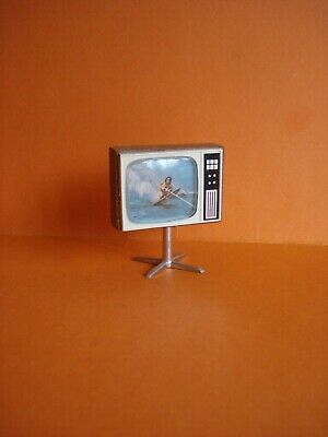 VINTAGE DOLLS HOUSE - 1970s LUNDBY TELEVISION ON STAND