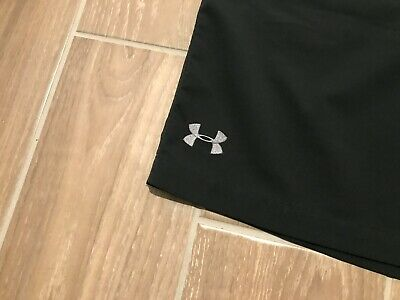 F43 Mens Under Armour Heatgear Loose Fit Casual Golf Shorts Size 32 SOLID BLACK