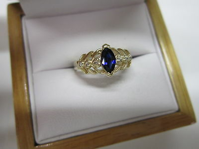 Beautiful Estate 14 Kt Gold Blue Sapphire And Diamond Ring  !!!!!!!!!!