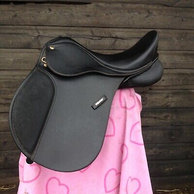 Wintec black GP saddle with adjustable gullet 15 in