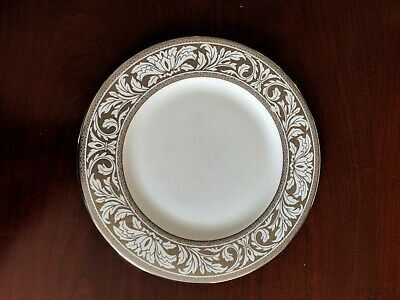 "Royal Doulton Coleridge Accent Luncheon Plate 9"" H5278 - New, Never Used"