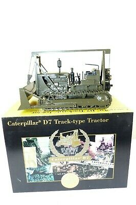 NZG /NORSCOT NO 386 is the duel maker model of the 1 25 scale Cat D7 Army  Dozer