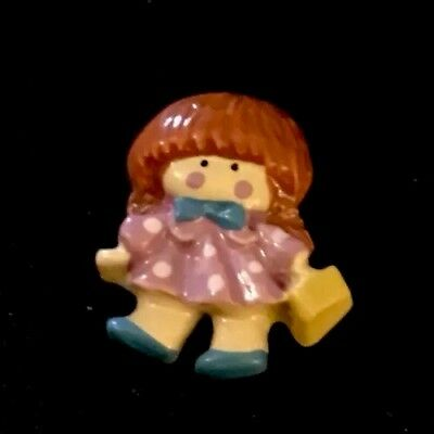 """Vintage 13/16"""" Realistic Novelty Goofy Plastic Cute Young Girl W/ Basket Button"""