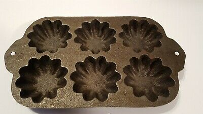 Vintage Muffin Mold Cast Iron Turks Head Muffins Scalloped Made In USA Very Nice