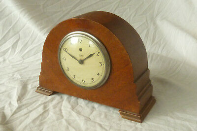 Vintage 1940's TEMCO OAK CASED ART DECO STYLE ELECTRIC MANTEL CLOCK - Untested