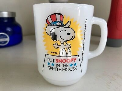 Vintage 1980 Anchor Hocking Peanuts Put Snoopy in the White House Coffee Mug