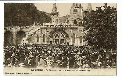 CPA -  Carte Postale - -FRANCE - Lourdes - Bénédiction du St Sacrement -1919 VM1