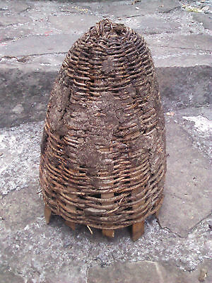 Primitive Antique Big  Bee Skep Hand Made Basket Wicker Hive.rare.