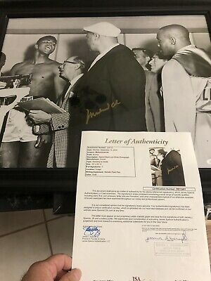 Autographed Muhammad Ali 16-20 Photo Weigh In Vs Liston Framed Ssg Pic And Cert