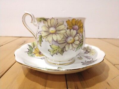 Royal Albert Daisy No 4 Cup & Suacer Set Bone China Flower of The Month Series
