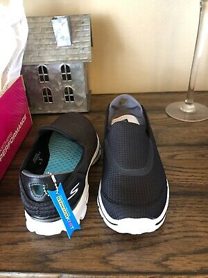 a6f05b91bd772 Skechers Go Walk 3 Goga Plus Yoga Athletic Shoes Black/White Womens Size  7.5M