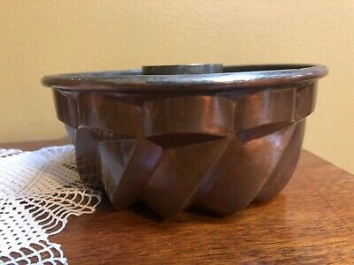 """Vintage Antique Heavy Tin Lined Copper Bundt Cake Pan Mold w/ Hanging Ring 8"""""""