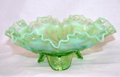 VTG Jefferson Meander Green Opalescent Bowl - Crimped Edge URANIUM GLASS