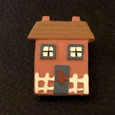 """Vintage 1"""" Realistic Novelty Goofy Figural Plastic Brown House Button"""
