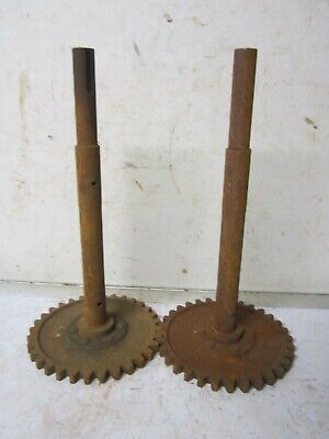 Vintage 2 (Pair) Rusty Gear w/ shaft Metal Steel Industrial Steampunk Scrap Part