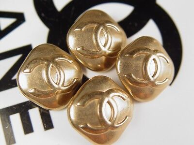 CHANEL golden metal Buttons (price for 1 button)