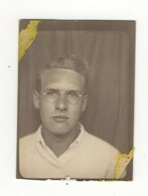 Vintage Photo Booth Photo Young Man Eyeglasses A14