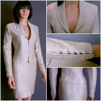 EXQUISITE ST.JOHN COUTURE 2PC.KNIT SUIT,JACKET,SKIRT, 2/6,GOLDw/SATIN TRIM,CHIC!